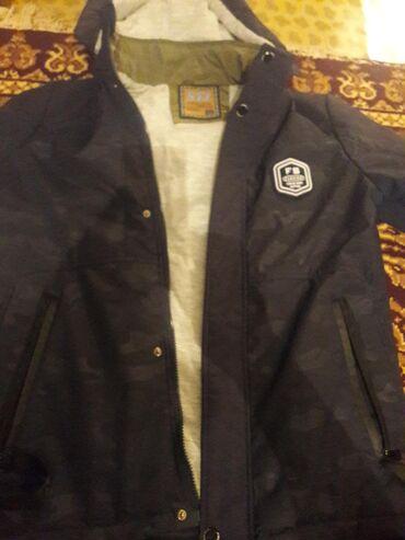 Куртка ветровка, капюшон отстегиваеться, пару раз одел