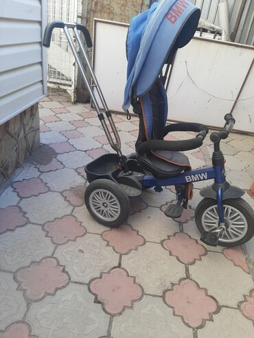 3510 объявлений: Продаю детский велосипед. Возраст от 6мес до 4х лет Б/уПереднее колесо