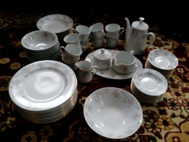 Продаю столовый набор посуды на 10 персон