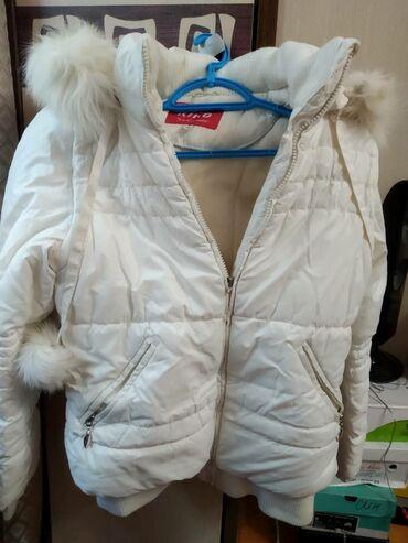 Продаю куртки на девочку 12-15 лет. Куртка белая зима, костюм зима роз