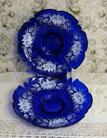 Очень красивые большие стеклянные вазы для фруктов,печеного.смотрятся