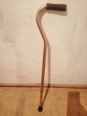 Медтовары - Кара-Балта: Продаётся костыль, и кушетка для лежачих больных