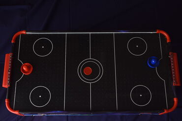 Air Hockey σε τέλεια καλή κατάσταση σχεδόν αχρησιμοποίητο!! Μεταφορές
