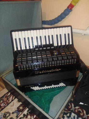 Музыкальные инструменты - Кыргызстан: Аккордеоны