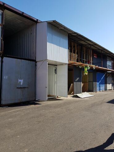 Продаю контейнер с ремонтом рядом Баткен рынок на новом базаре комфорт