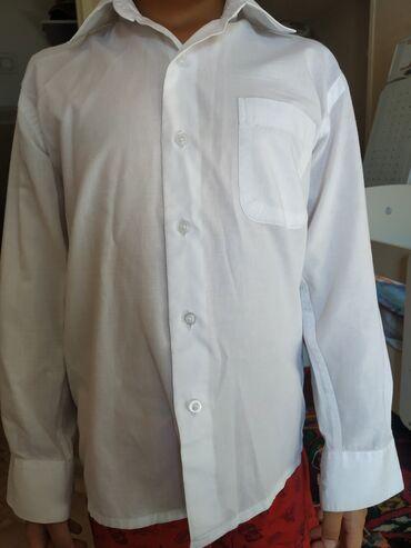 Рубашка в школу для 1 класса, находимся в 8 микр