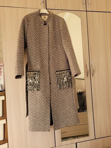 жен пальто в Кыргызстан: Продаю пальто !!!