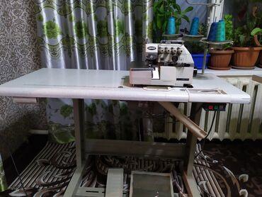 Срочно срочно продаю швейный машинка 4-нитка в отличном состоянии