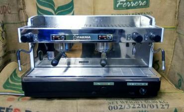 кофемашина полуавтомат для кофейни в Кыргызстан: Профессиональная кофемашина faema E98 presidentОтличное