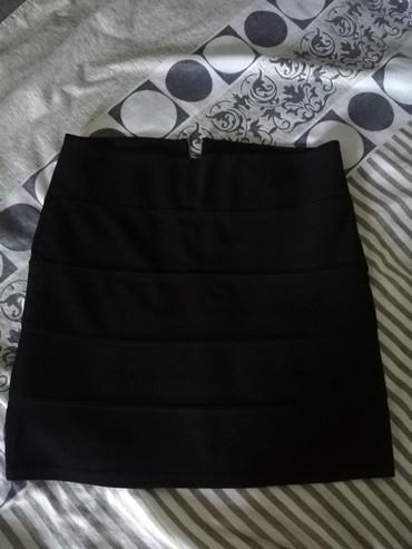 Crna duboka, new yorker suknja, pokvaren rajfešlus. Prodajem zamenski - Belgrade