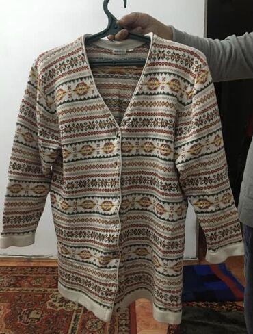 джемперы в Кыргызстан: Джемпер шерстяной б/у в отличном состоянии 48-50 размер Турция 300 с
