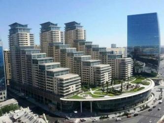 шкаф в гостинную в Азербайджан: Сдается квартира: 3 комнаты, 136 кв. м, Баку