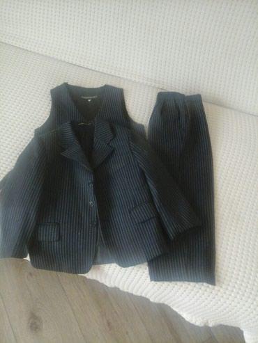 Тройка костюм на мальчика 4-5 лет(новый) в Бишкек