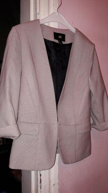 Продаю классный пиджак от H&M.Цвет тоже приятный