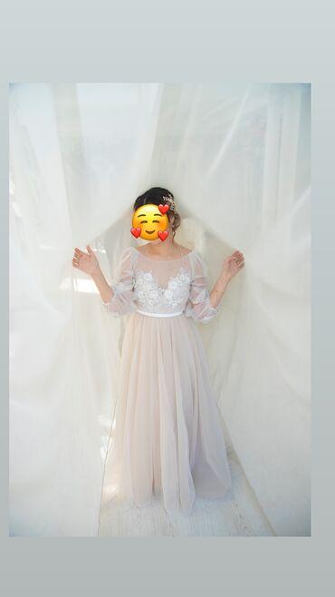 Свадебные платья и аксессуары - Бишкек: Продаю свое свадебное платье! Не слишком пышное, но и в то же время