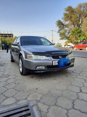 Honda - Бишкек: Honda Accord 1.8 л. 2001 | 325733 км