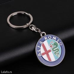 Privezak za ključeve - alfa romeo, prelep, kvalitetan privezak za - Zrenjanin