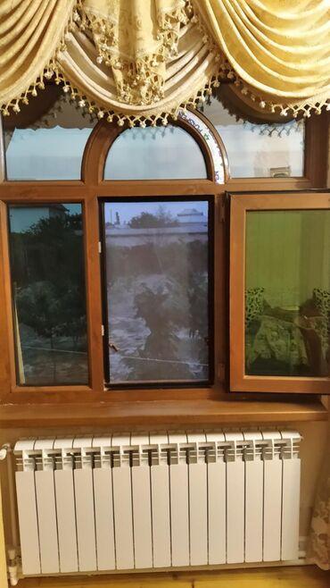 Plastik Pencere 4 komplekt 1 eded 250 manat ustanovka ile bir yerde
