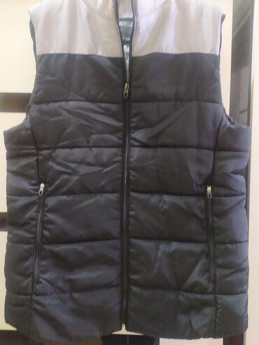 вязаное платье в пол в Кыргызстан: Продаю мужские безрукавки на синтепоне НОВЫЕ размер М(на 1м фото) S(на