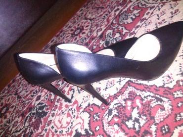синие туфли на каблуках в Кыргызстан: Туфли на каблуках, очень красивые. Размер 39-40. покупали в Лионе. нов