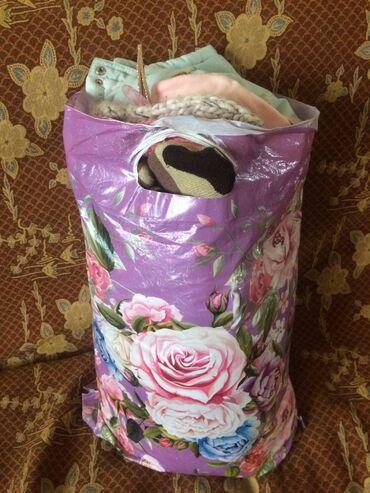 Продам пакет детских теплых вещей(курточки,шапочки,варежки итд)от 3м
