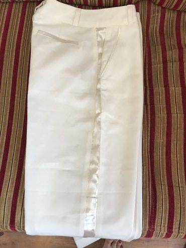 женские брюки классика в Кыргызстан: Брюки классика с лампасами,на худенькую талию,низ расширен