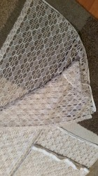Kuća i bašta - Pirot: Dve končane zavese iz uvoza.Veca je visina 2.13 a širina 1.84cm.Manja