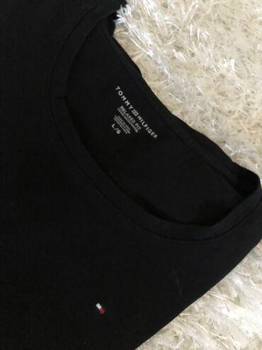 Cetiri majice - Srbija: Majica Tommy Hilfinger original nova zenska L velicina