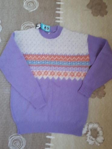 Новый свитер, размер М, 100% шерсть, сделано в Исландии. в Бишкек