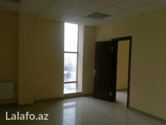 Bakı şəhərində Tibb universitetinin yanında ofis