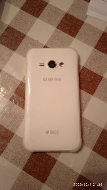 Samsung galaxy j1 - Азербайджан: Б/у Samsung Galaxy J1 Duos Белый