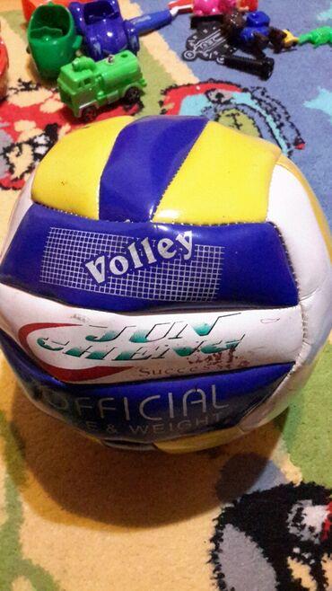 Мячи - Азербайджан: Volleybol topu, havası boşalıb, doldurmaq olur