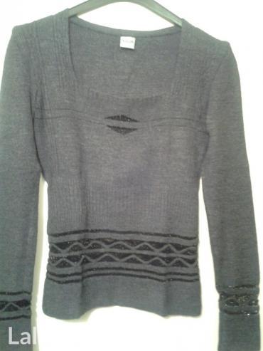 Majica nosena jednom prilikom,vel s-m,rastegljiva,prati liniju tela,si in Novi Sad