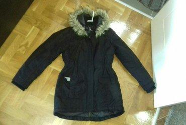 Jakna duzina grudi - Srbija: Topla zimska jakna,prednji deo je kraci. M velicina,ali bolje gledajte