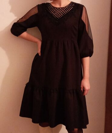 черное до колен платье в Кыргызстан: Чёрное базовое платье свободного кроя . На размер s-m длина по