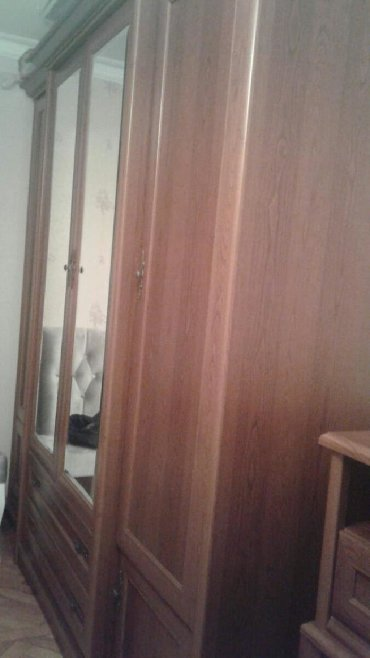 деревянная спальня в Азербайджан: 6 qapili dolab. Cox mohkem ve keyfiyyetli. Sumqayit