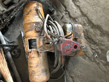 Продам тельфер,подъёмник двигателя