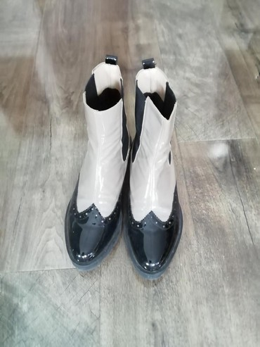 Zenske cizme nošene par puta LAK I KOZA - Arandjelovac