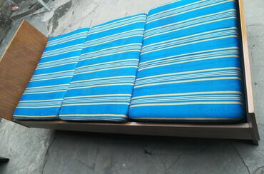 Одно спальный диван кровать (Германский 2 шт) оба за 6,000