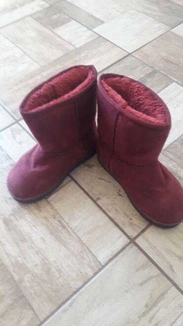 Dečije Cipele i Čizme - Varvarin: Crvene,zimske cizmice,sa vunom 30 broj