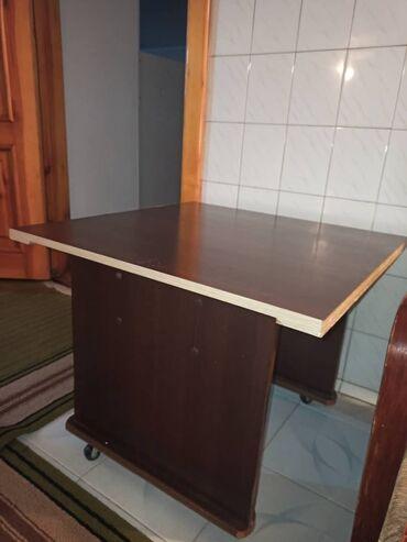 Журнальный столик  Ширина 68 Длина 68 Высота 55 Цена 600