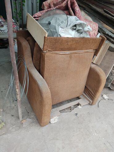 продам кресло кровать in Кыргызстан | ДИВАНЫ: Продаю креслодиван хороший надо только помыть покупали за 9000