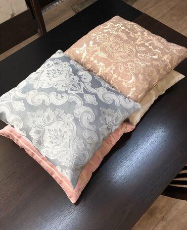Продаю подушки 350мм*350мм.  Цена: 150с опт