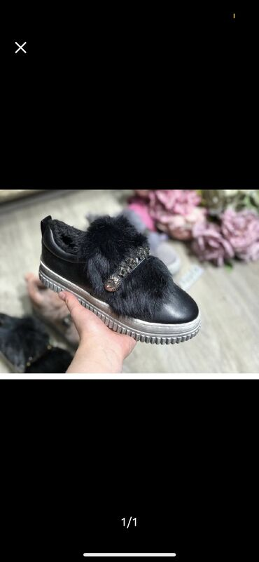Обувьс натуральным мехом  отличного качества  Тёплаялёгкаяи удобная
