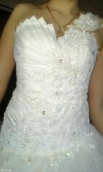 Продаю очень красивое свадебное в Лебединовка