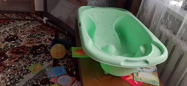 сиденье детское для купания на присосках в Кыргызстан: Ванна Cam,фирма итальянская,очень удобная для купаниядля ребенка воз
