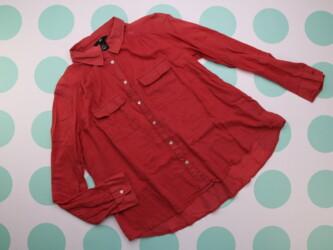 Женская рубашка H&M, р. S    Длина: 60 см Рукав: 55 см Пог: 4 см М