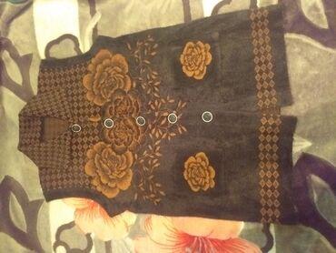 женское платье 54 в Кыргызстан: Женская безрукавка.Теплая,кошемир.Размер 54-56.Цена 1000 сомов