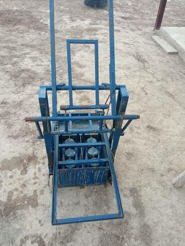Продаются мини пескоблочный станок в хорошем состоянии