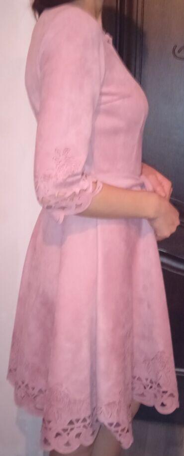 женская платья размер 44 в Кыргызстан: Продаётся женское вечернее платье Размер:44 Только самовывоз